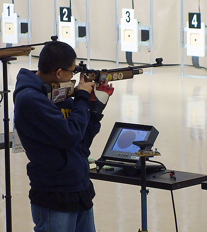Flickr_-_Official_U.S._Navy_Imagery_-_NJROTC_cadet_takes_part_in_air_rifle_championship.