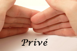 Afbeelding van twee handen en woord Privacy